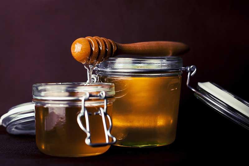 Козметика от природата – ползите на меда за кожата и организма