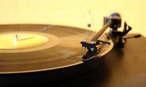 svireshta-gramofonna-plocha