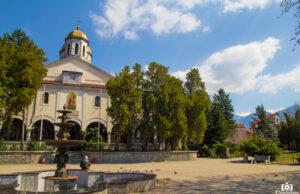 """Катедралният храм """"Свети великомъченик Георги Победоносец"""" в Дупница"""